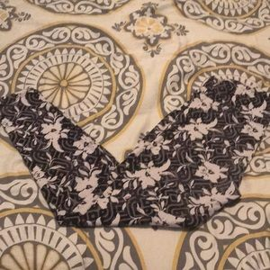 Floral OS lularoe leggings